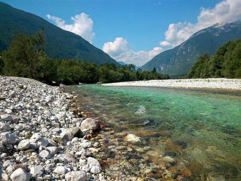 river-981115_960_720