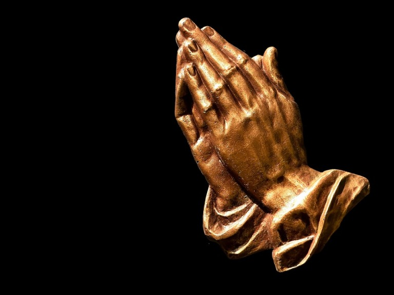 praying-hands-2539580_960_720