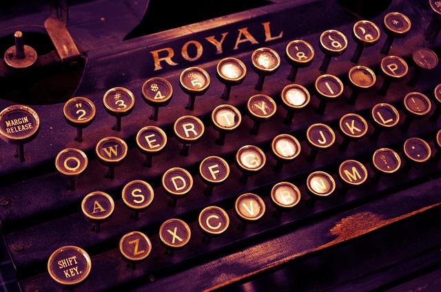 typewriter-1170657_640