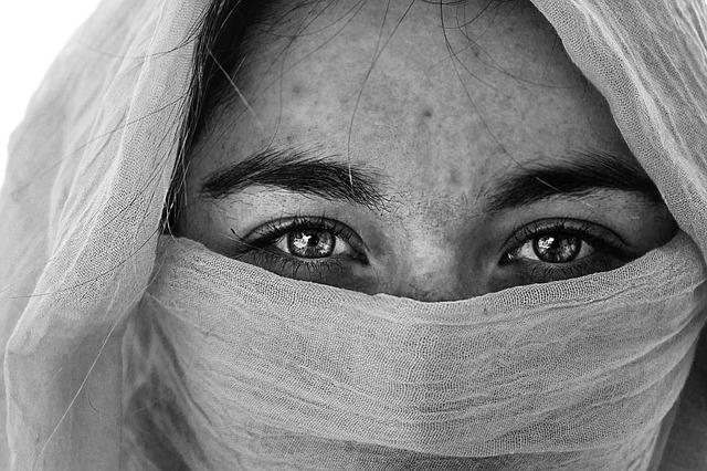Female Person Pretty Eyebrows Eyes Beautiful