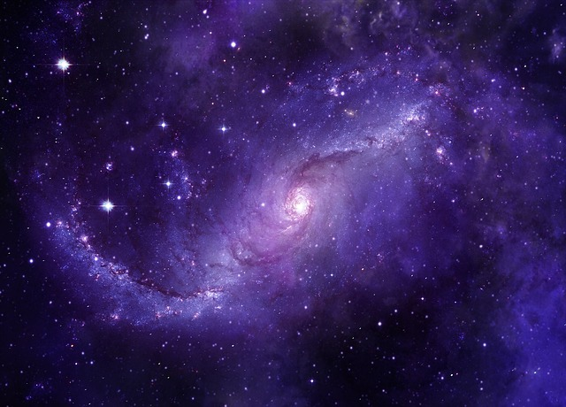 galaxy-3607885_640