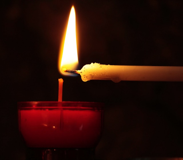candle-2738529_640