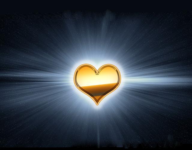 golden-heart-2521344_640