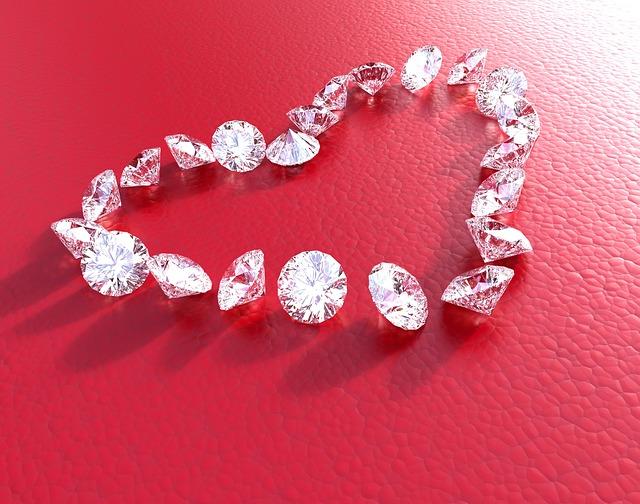 diamonds-2713667_640
