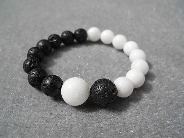 bracelet-2614191_640
