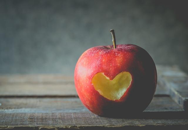 apple-2846296_640