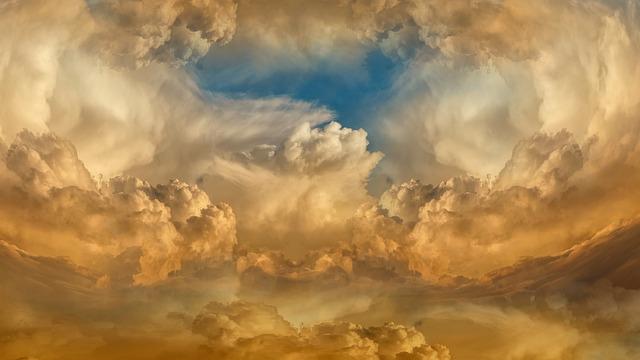 clouds-4907646_640